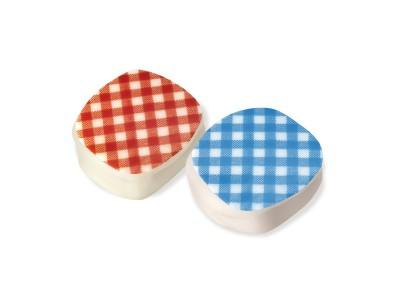 Red and blue Vichy square chocolates